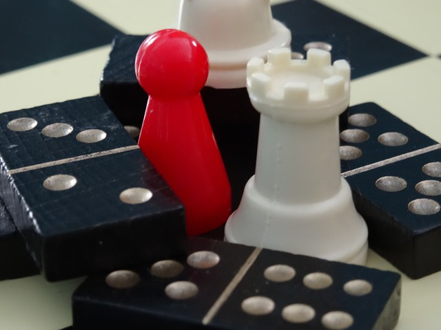 domino a šachy