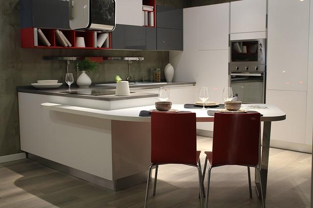 červeno-bílá kuchyň