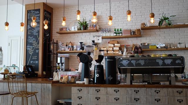pracovnice kavárny
