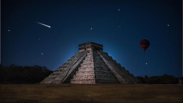 balon za pyramidou