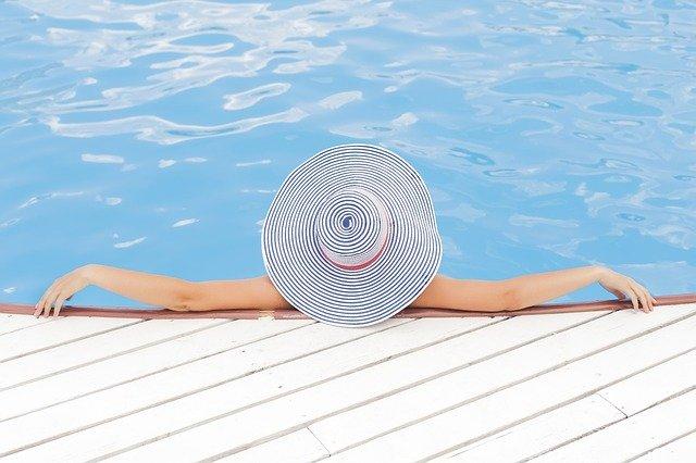 Bazénová plachta chrání vodu před znečištěním