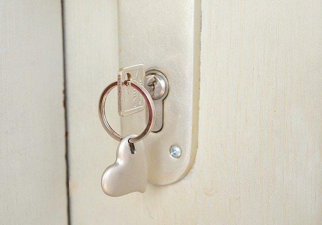 key-677851_640